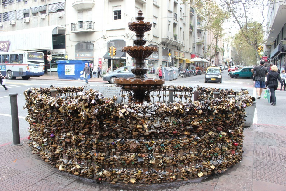 Montevideo sights: Love Locks Fountain