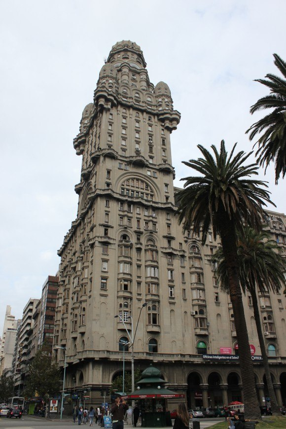 Montevideo sights: Palacio Salvo