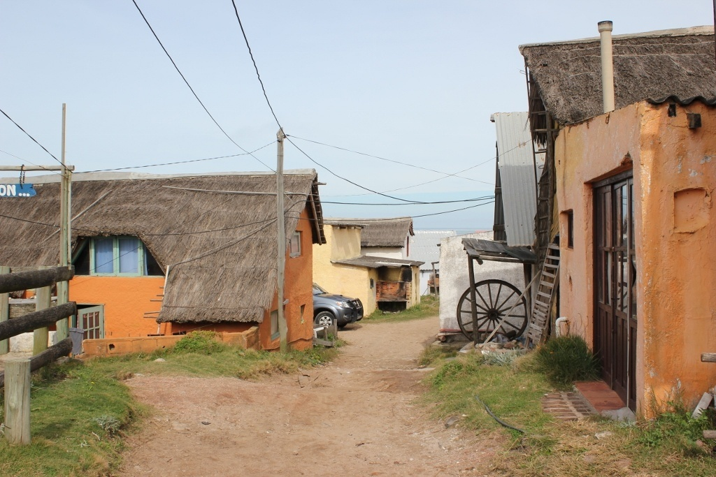 Exploring Punta del Diablo and the older, oceanfront homes