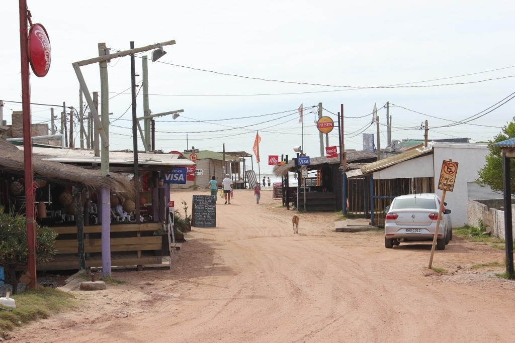 Exploring Punta del Diablo and the main drag of restaurants
