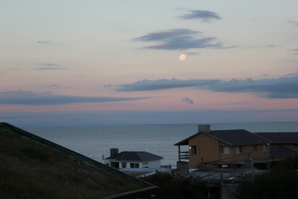 moon rising in Punta del Diablo JetSetting Fools