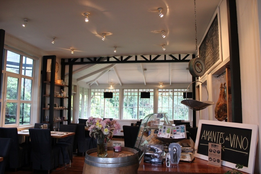 Puerto Varas, Chile: The chic Mercado 605 in housed in the historic Casa Bechthold
