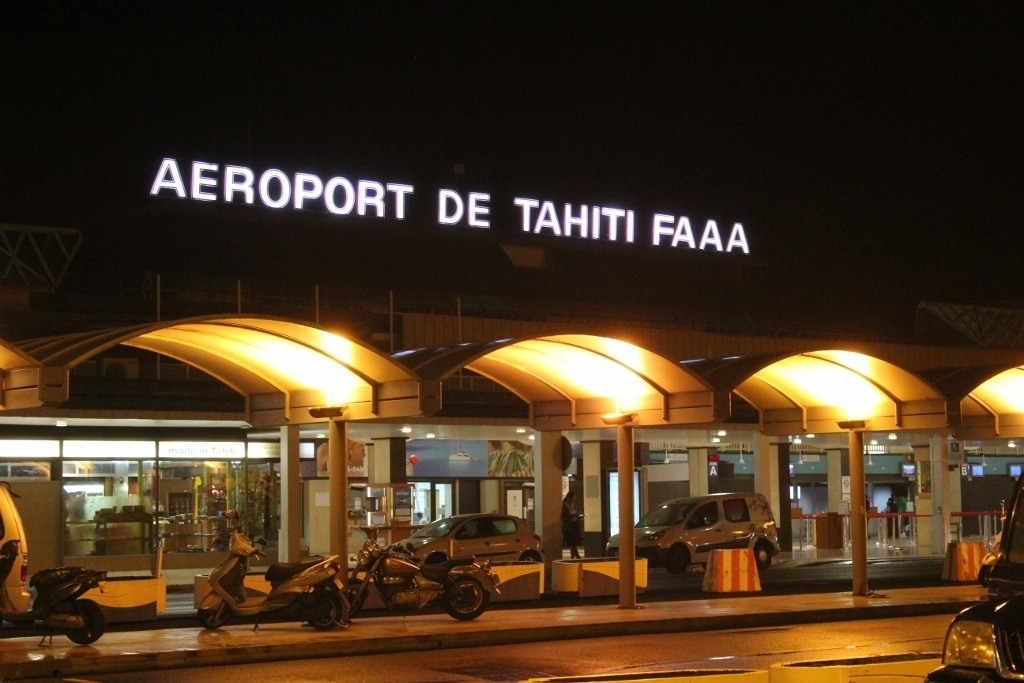 Moorea, French Polynesia on a budget: Our first night in French Polynesia was spent snoozing on the airport floor