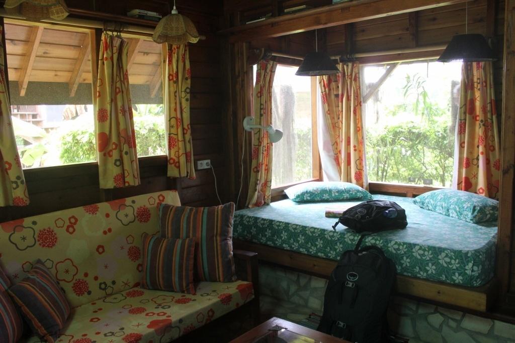 Budget Island Accommodations: Moorea, Mark's Place Moorea