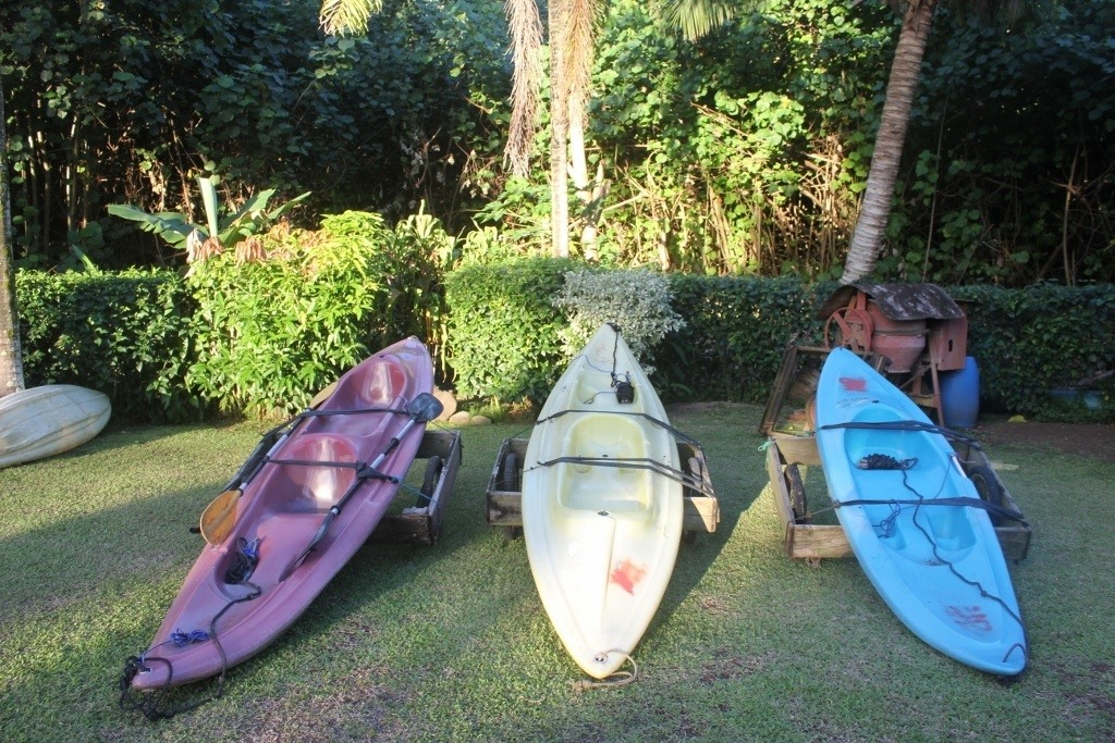 Moorea, French Polynesia on a Budget: Inexpensive kayak rental from Mark's Place Moorea