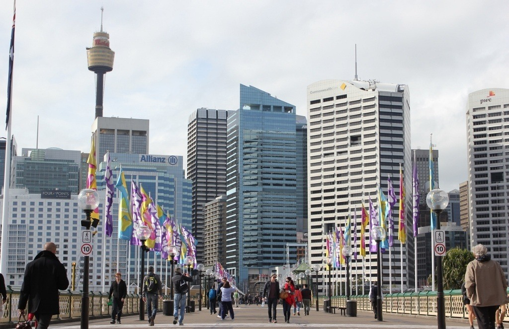 One day itinerary for Sydney: Pyrmont Bridge