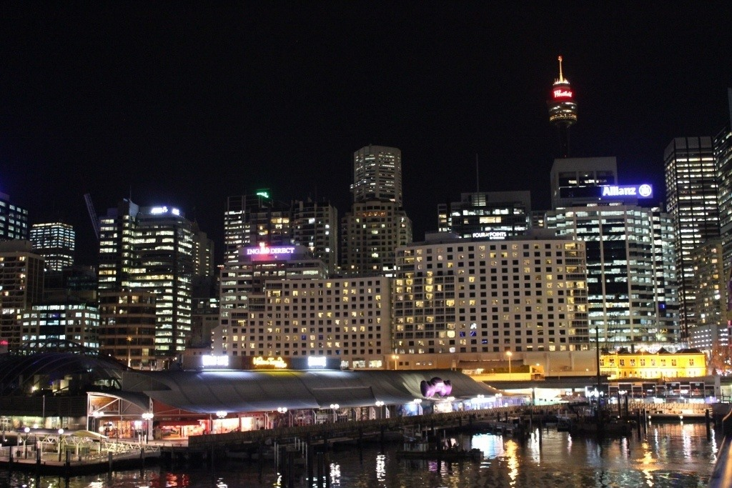 One day itinerary for Sydney: Sydney at night