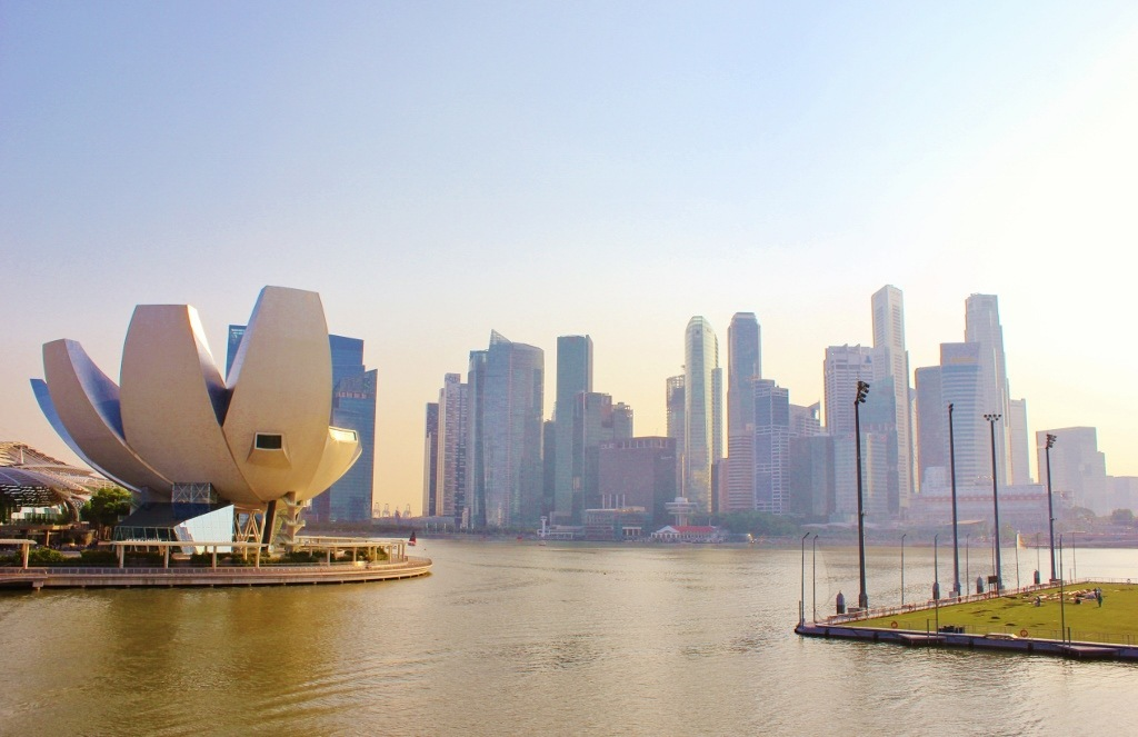 Singapore Marina Bay self-guided walking tour: City views from the Helix