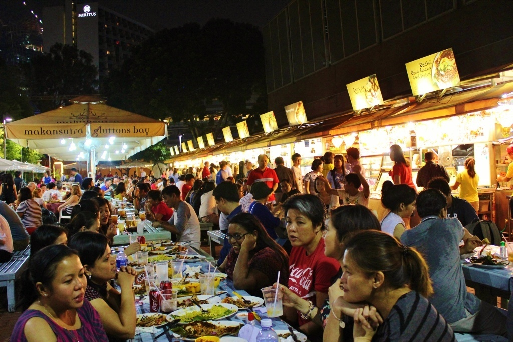 Singapore Marina Bay self-guided walking tour: Makansutra Gluttons Bay