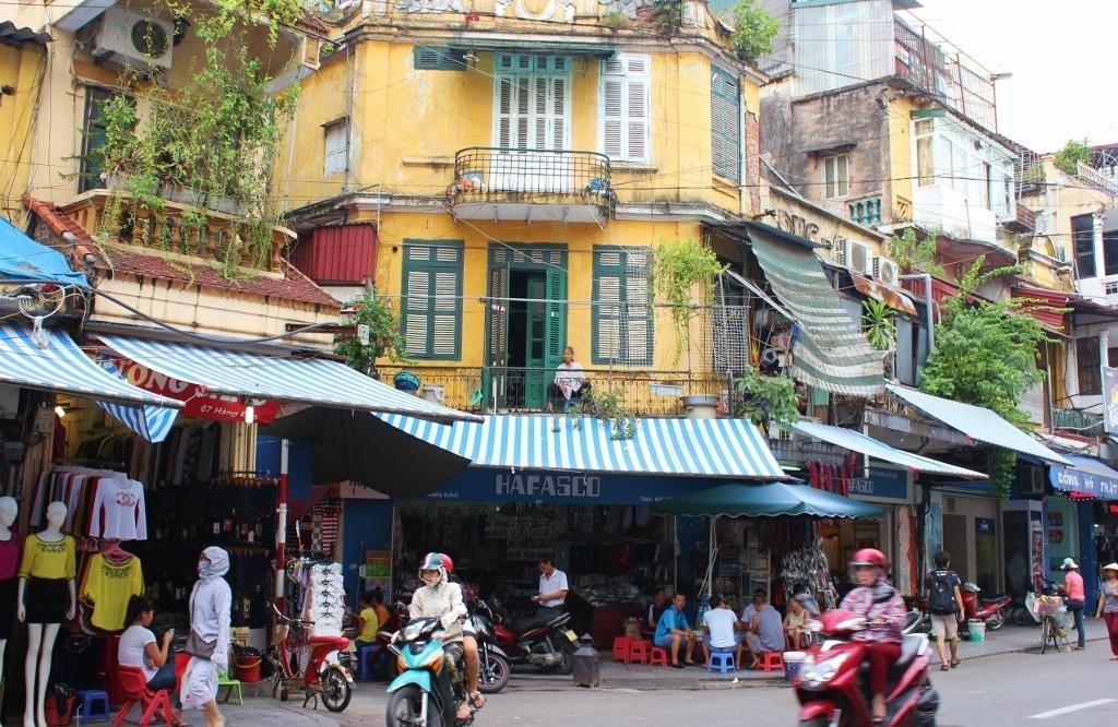 Wandering the Streets of Hanoi, Vietnam JetSetting Fools