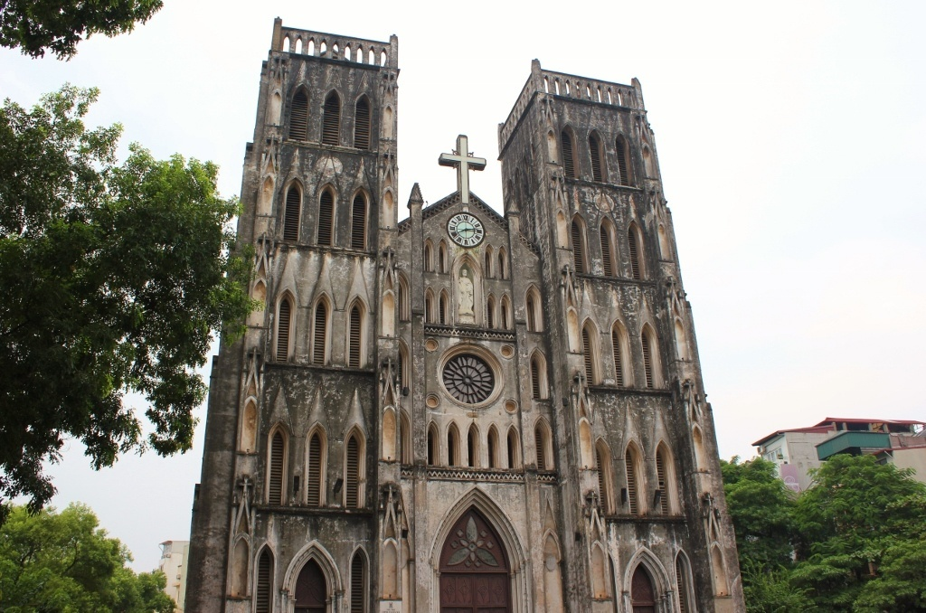 Streets of Hanoi: St. Joseph's Cathedral