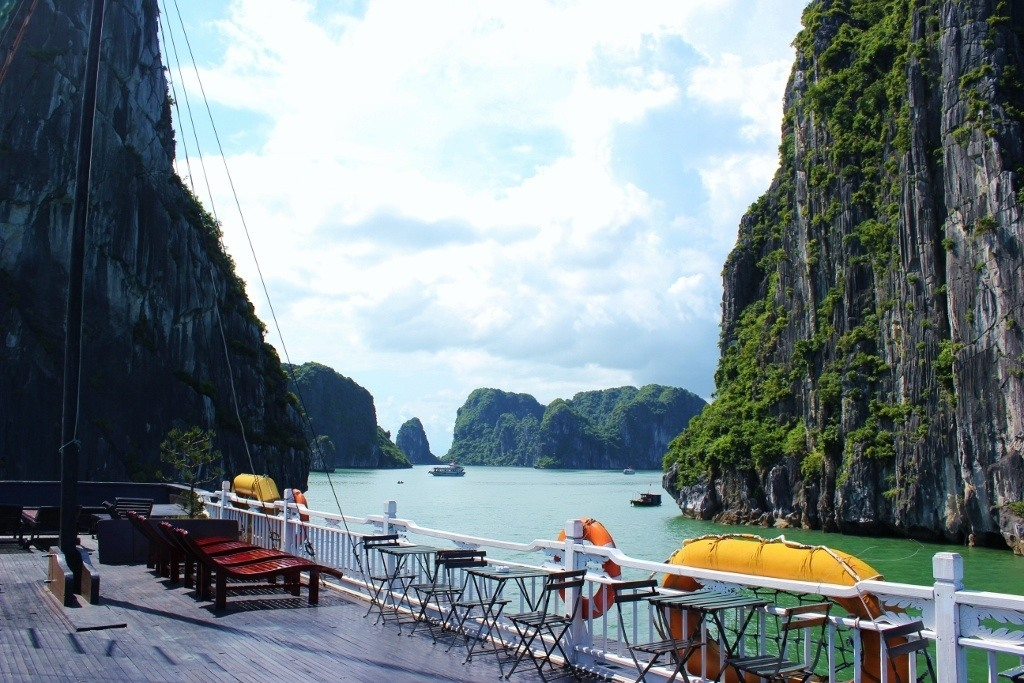Halong Bay cruise: Our rooftop deck