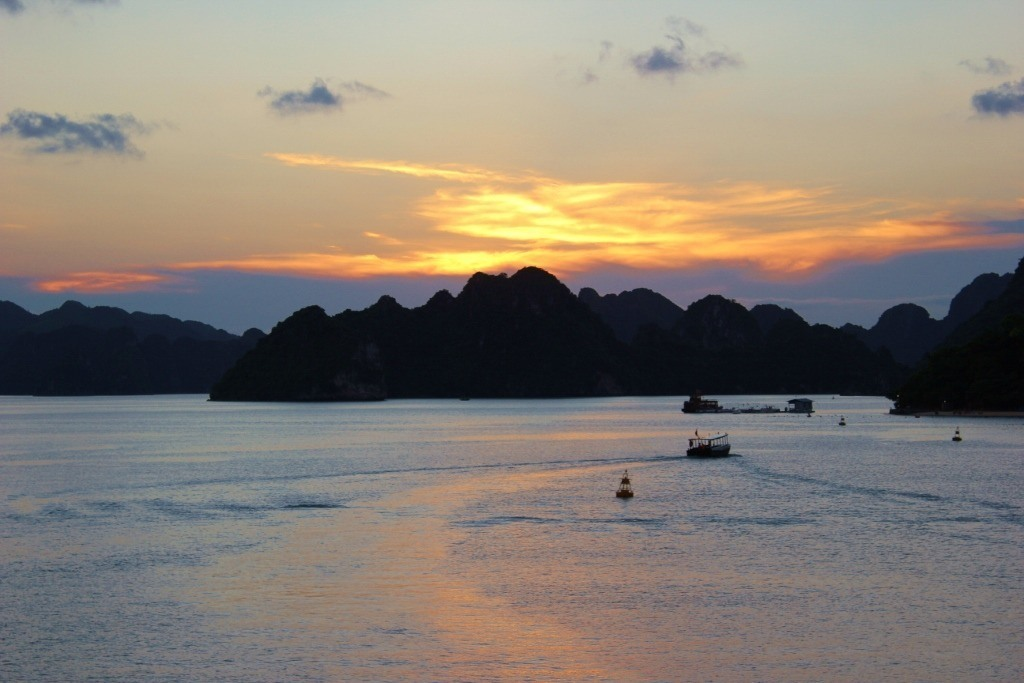 Halong Bay cruise: The last bit of sunset from our rooftop deck