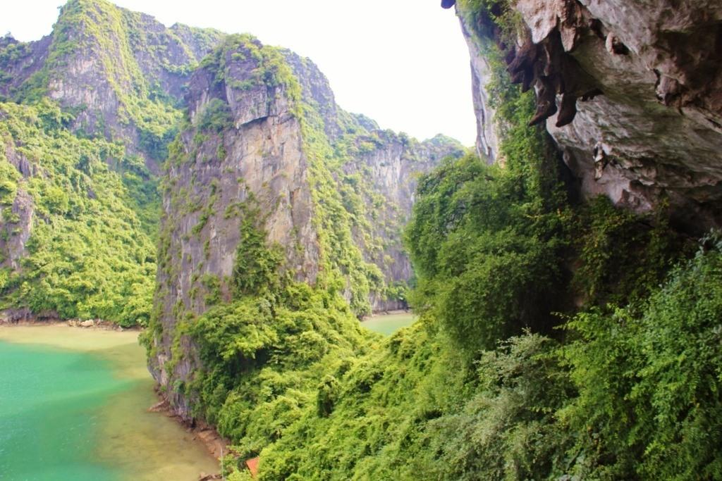 Cruising Halong Bay Vietnam JetSetting Fools