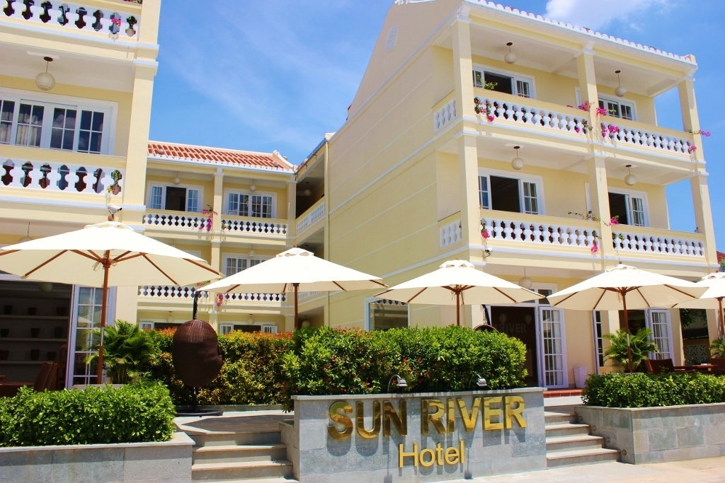Local Hoi An, Vietnam: Sun River Hotel, Hoi An situated in a neighborhood