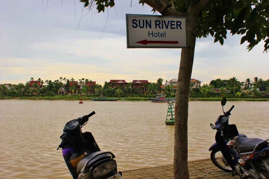 Local Hoi An, Vietnam: The walk along the river to our hotel