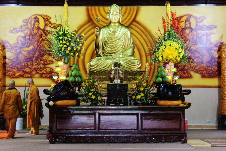 Sightseeing in Dalat, Vietnam: Truc Lam Pagoda