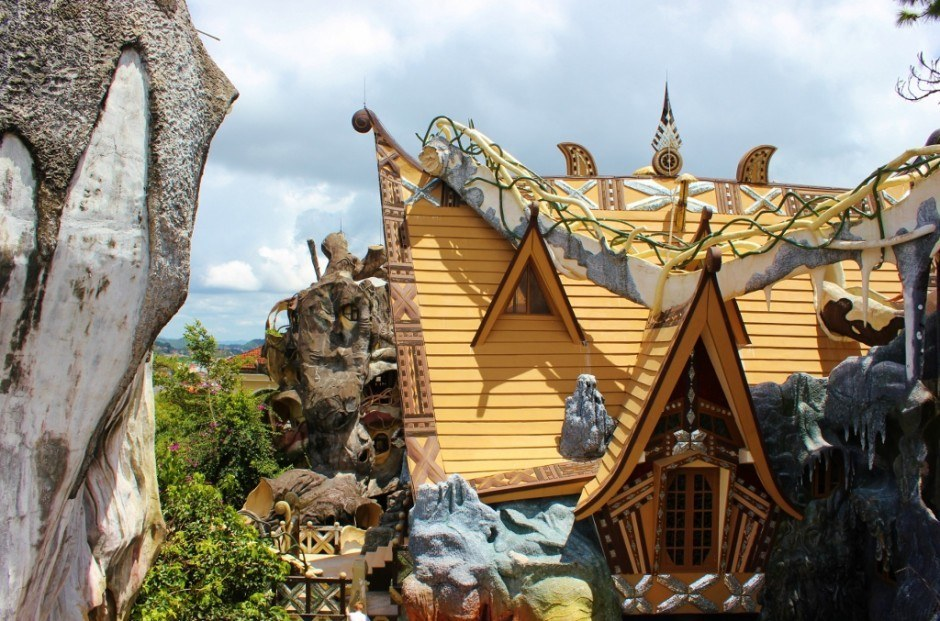 Sightseeing in Dalat, Vietnam: Hang Nga Crazy House
