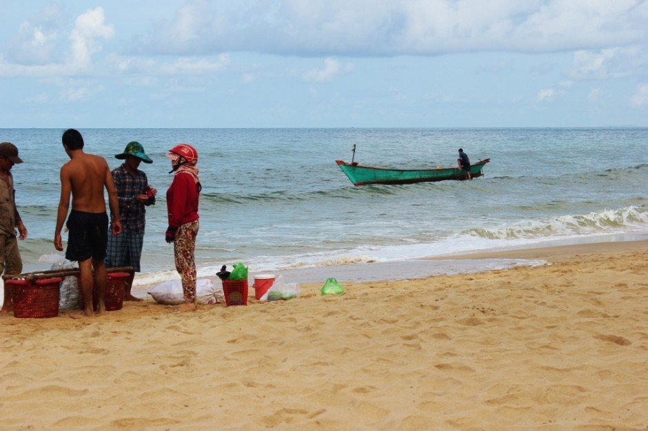 Phu Quoc Island, Vietnam: Fresh fish for sale at the shoreline