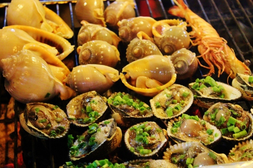 Budget for Phu Quoc, Vietnam: A seafood meal at the night market