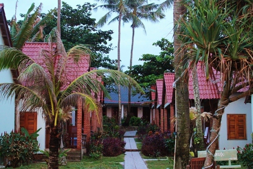 Budget for Phu Quoc, Vietnam: Beachfront accommodations at Phuong Binh House
