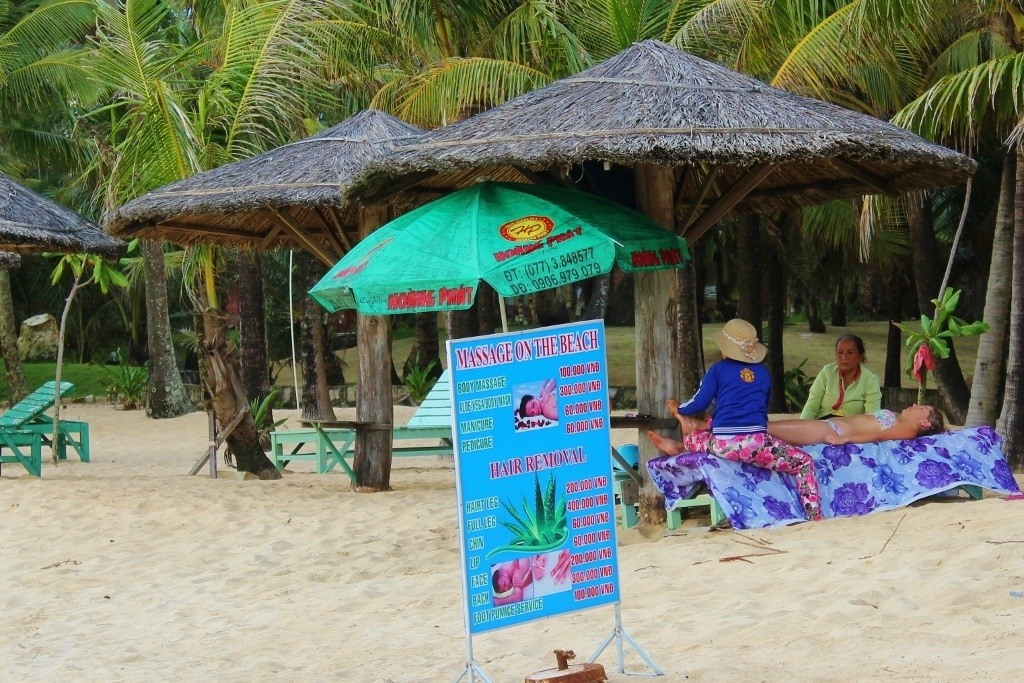 Beach massages on Long Beach on Phu Quoc Island, Vietnam