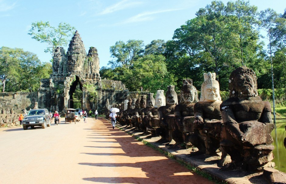 Visiting the Temples of Angkor: Angkor Thom South Gate and the Churning of the Ocean of Milk