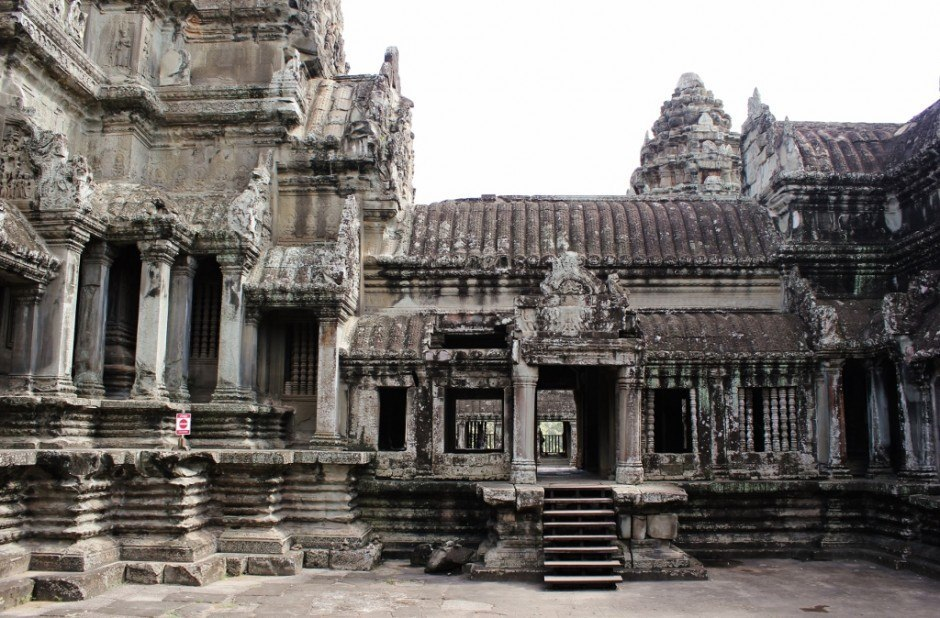 Visiting the Temples of Angkor: Angkor Wat inside the complex