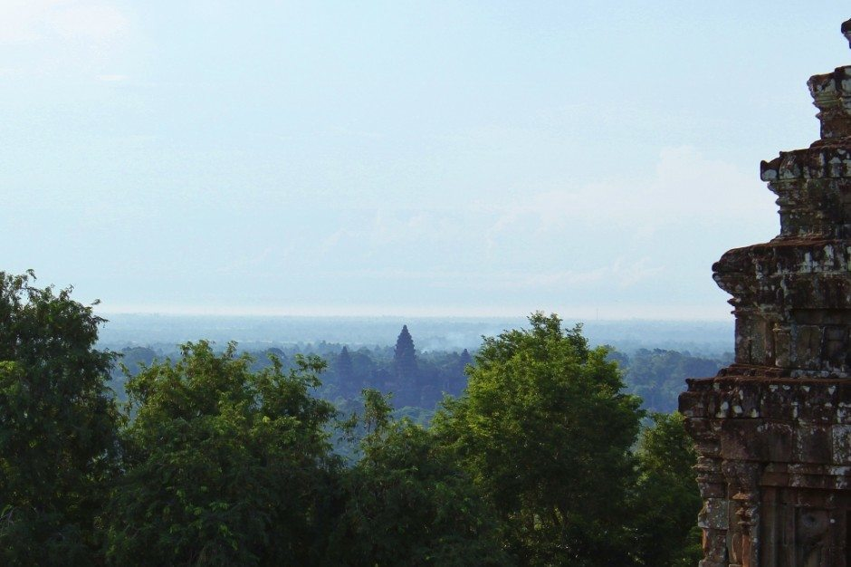 Angkor Temple Tour: Phnom Bakheng - Views of Ankgor Wat in the distance