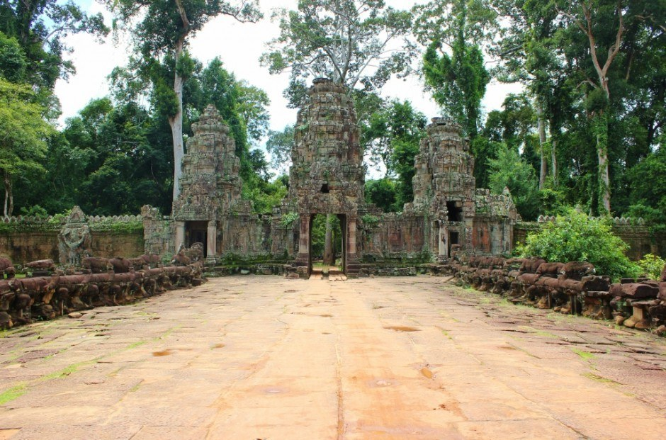 Angkor Temple Tour: Preah Khan - The approach to Preah Khan is similar to Angkor Thom with the large gate and the 'Churning of the Ocean of Milk'