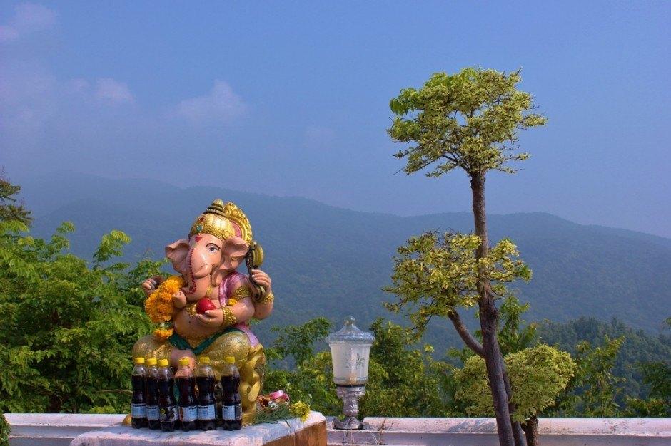 Visiting Chiang Mai temples: Doi Kham Temple - viewing deck