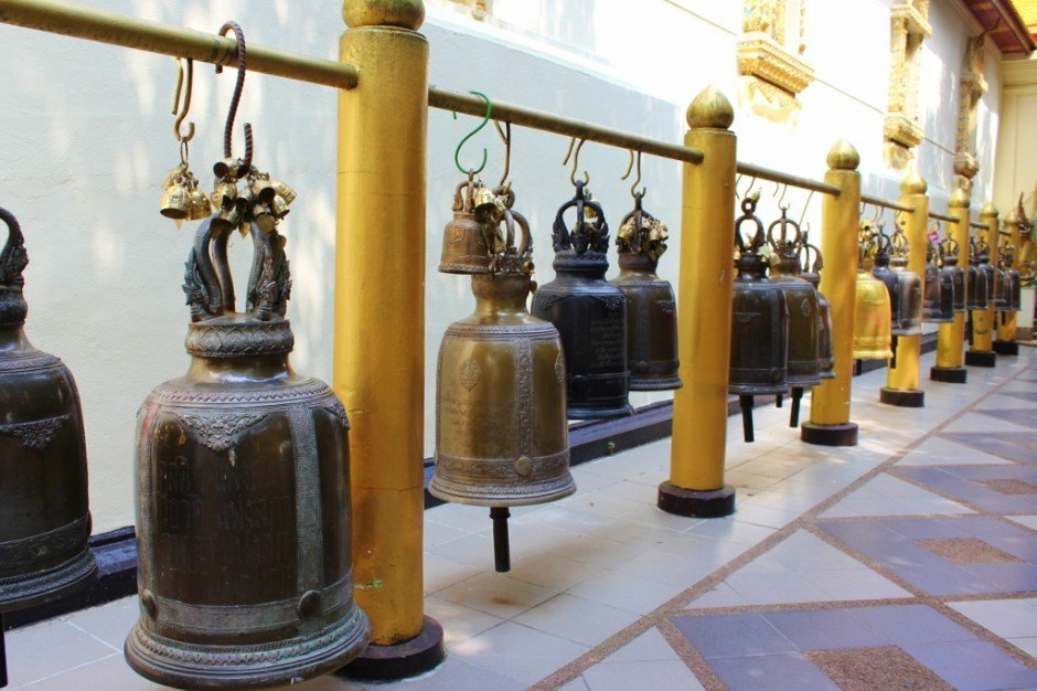 Visiting Chiang Mai temples: Doi Suthep Temple - ring the bells for good luck