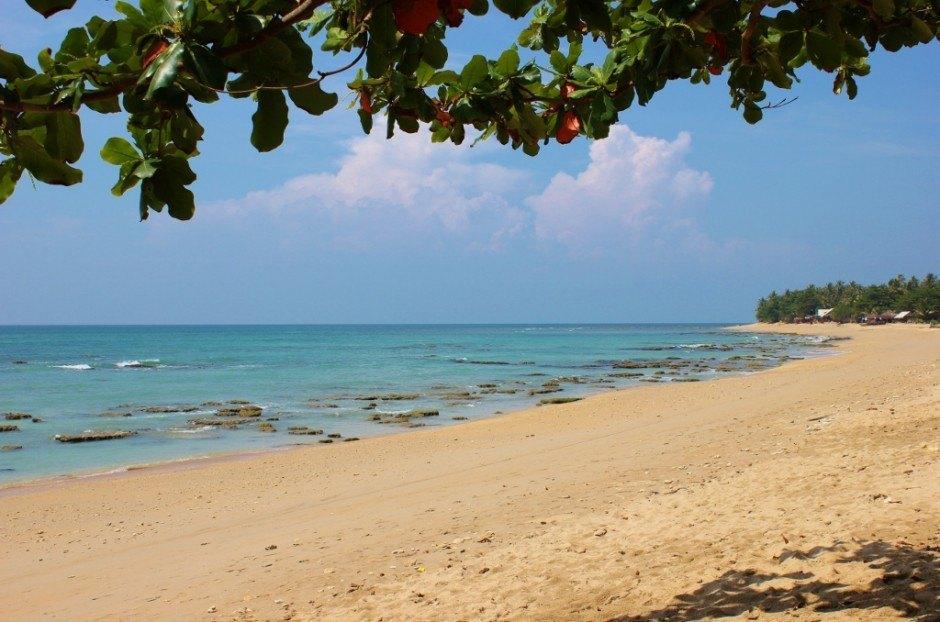 Life on Koh Lanta: Klong Khong Beach low tide