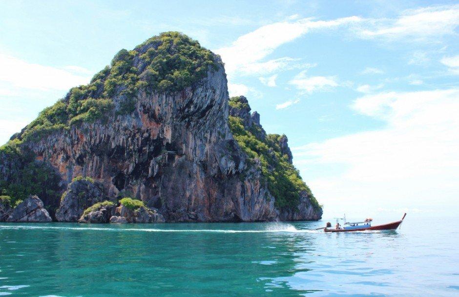 Four Island Tour from Koh Lanta: Koh Chuek where we snorkeled