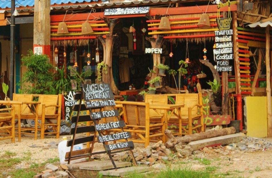Daily life on Koh Lanta: Family run restaurant