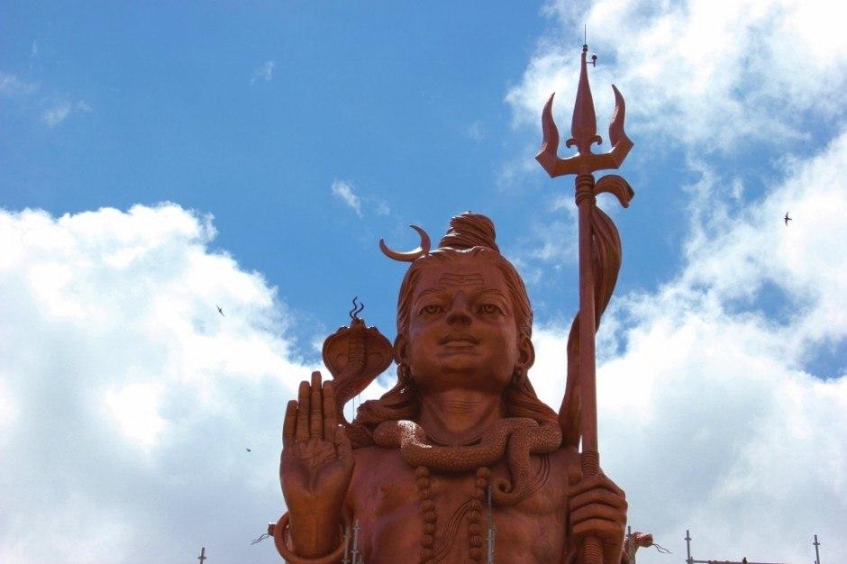Southwest Mauritius Tour: Grand Bassin - Mangal Mahadev statue