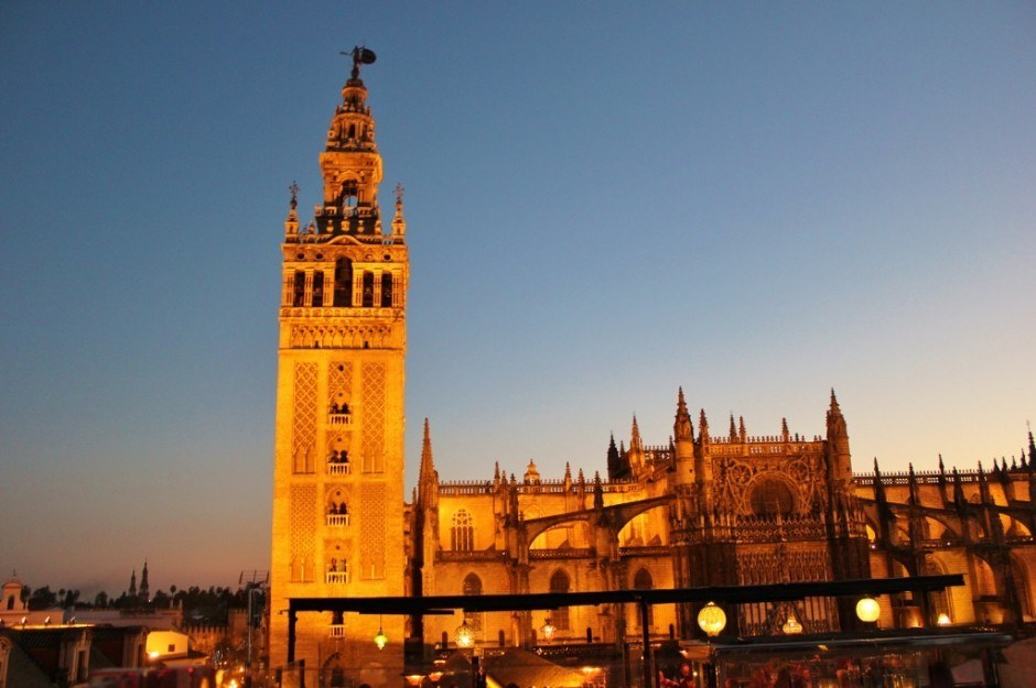 Neighborhoods in Seville #1: Seville Center - View of the cathedral from the EME Hotel