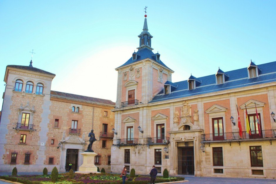A Self-Guided Walking Tour to Sights in Madrid #4: Town Hall