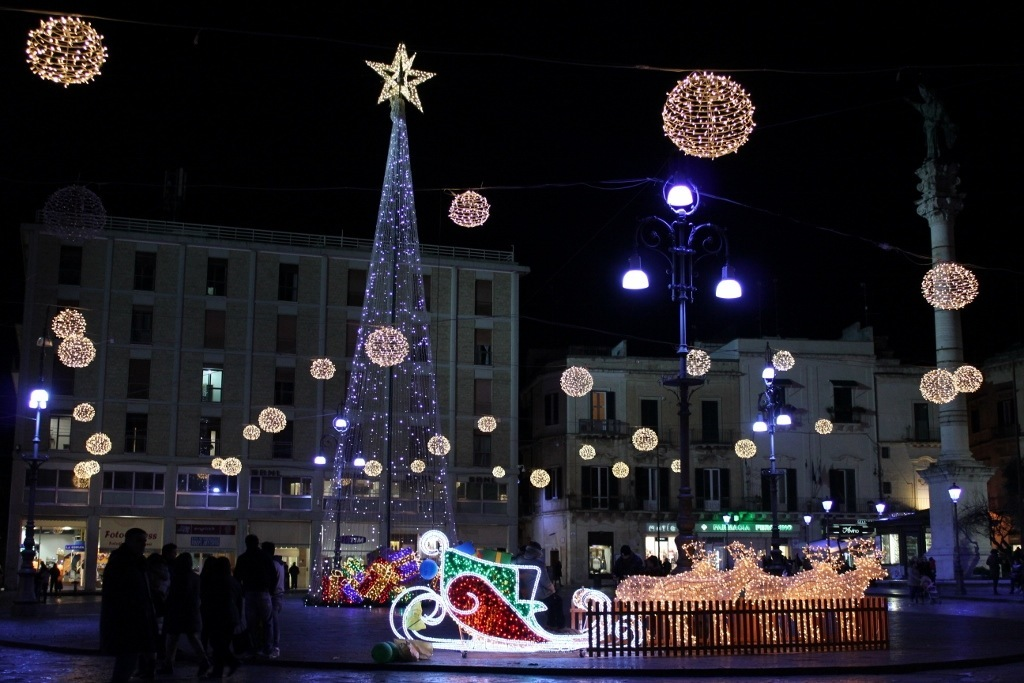 celebrating christmas in europe santoronzo square in lecce italy decorated for christmas - How Does Italy Celebrate Christmas