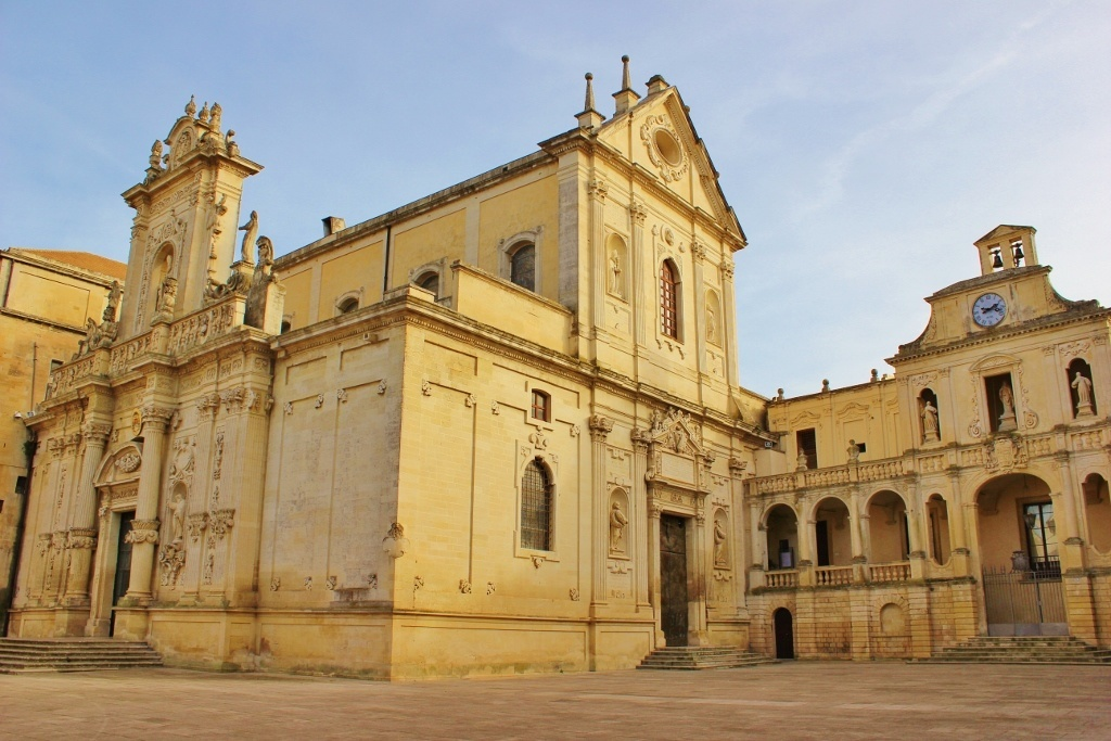 Piazza del Duomo in Lecce, Italy - Jetsetting Fools