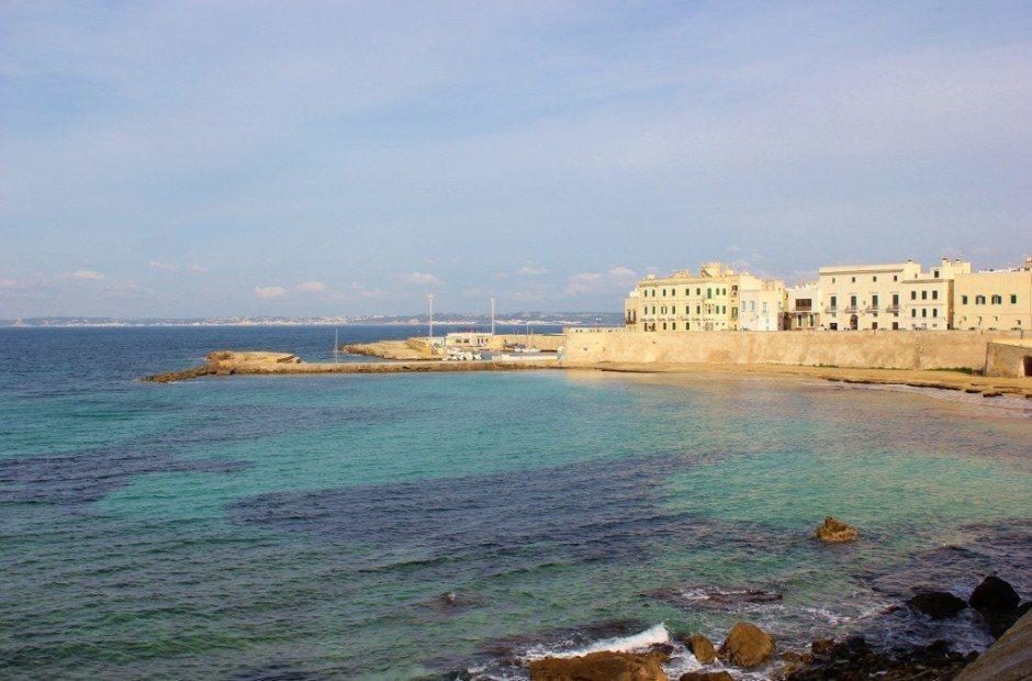 Day trip to Gallipoli, Italy: Beach and Marina