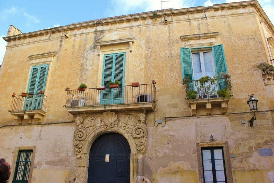 Even after our month-long stay in Lecce, we still loved looking at the balconies.