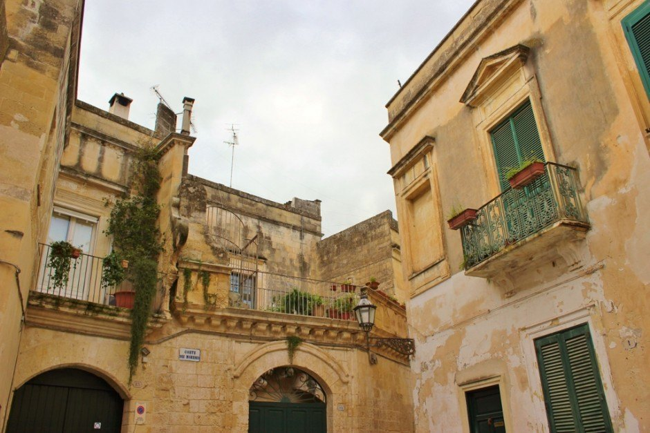 We had plenty of time during our month-long stay in Lecce to find hidden alcoves and courtyards throughout the city