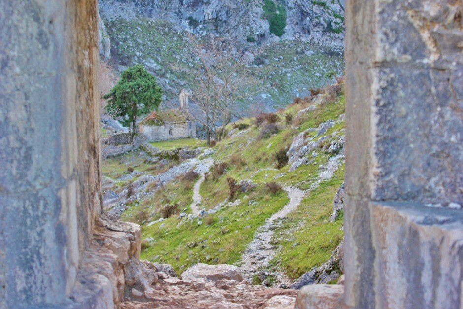 Hiking in Kotor: A detour through the walls