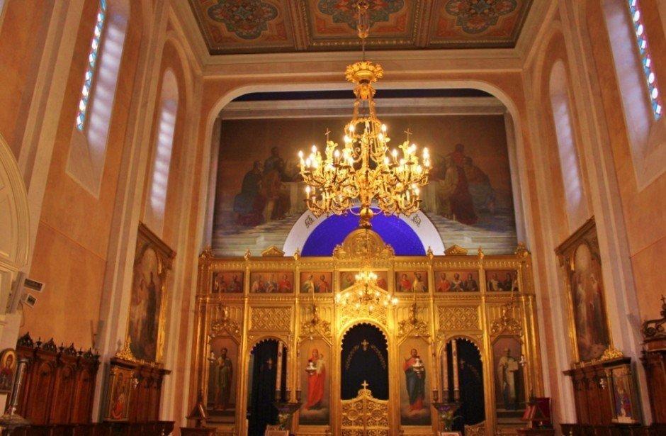 Dubrovnik sights: Serbian Orthodox Church inside