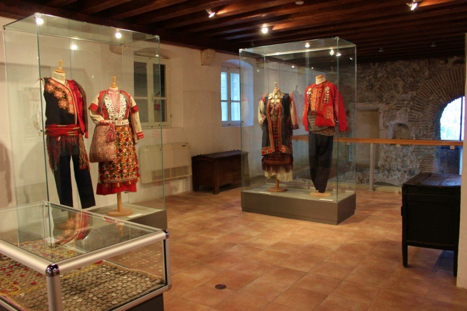 Diocletian's Palace sights: Ethnographic museum displays traditional clothes