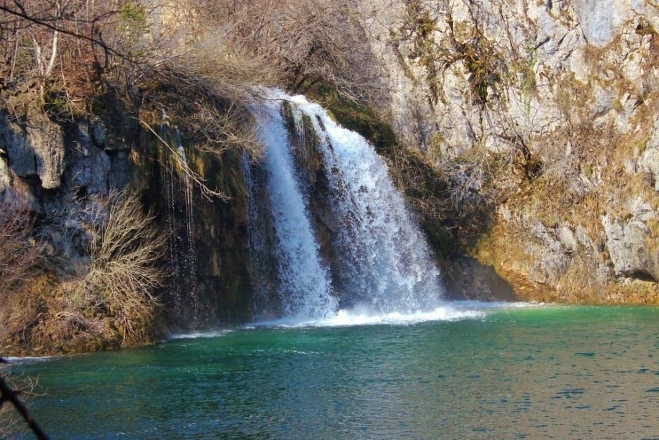 Visiting Plitvice Lakes: Waterfalls everywhere!