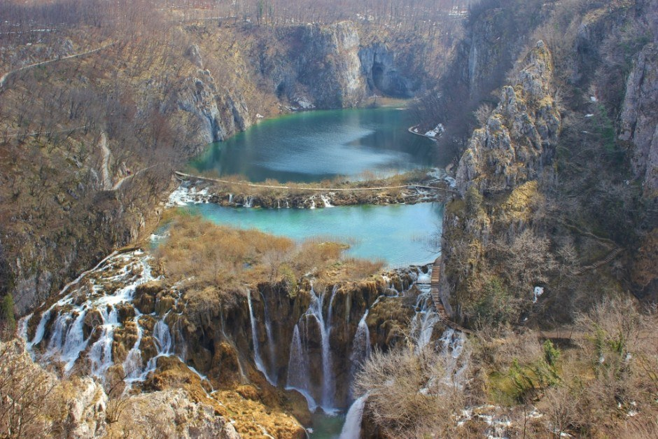 Visiting Plitvice Lakes: Even in the winter, the park sparkles with color.