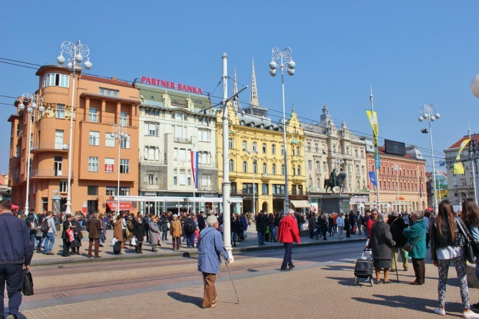 Visiting Zagreb, Croatia: Zagreb's main square, Jelacic Square.