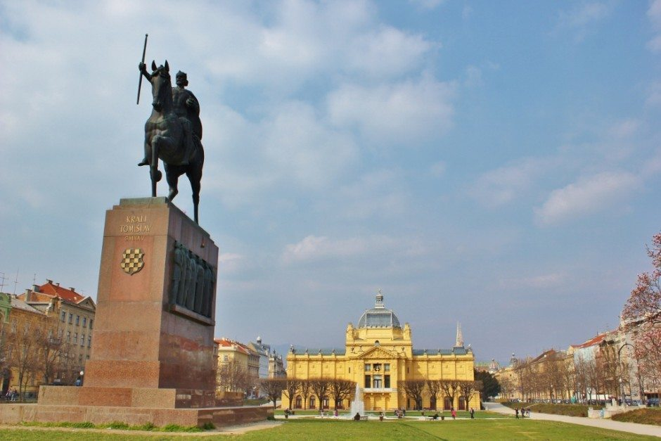 Parks in Zagreb include The Green Horseshoe with King Tomislav Statue